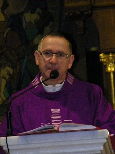 Eucharystia w intencji zmarłych kapłanów